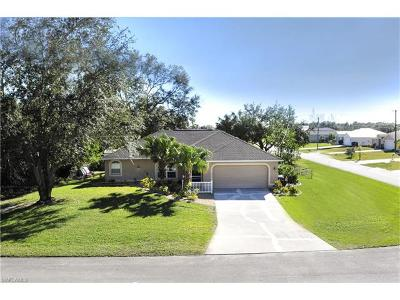 Fort Myers Single Family Home For Sale: 14050 Benedict St
