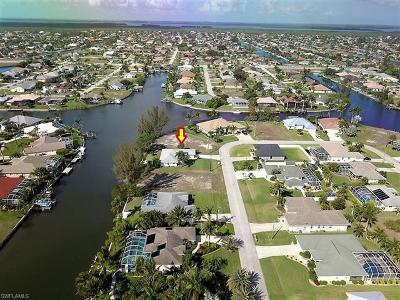 Cape Coral, Matlacha, North Fort Myers Single Family Home For Sale: 2208 SW 39th Ter