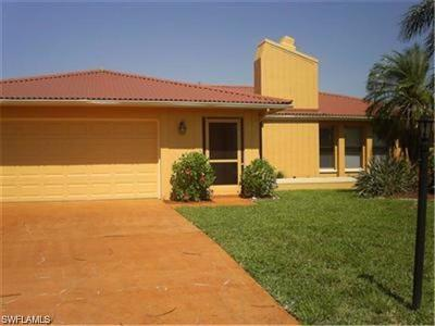 Cape Coral Single Family Home For Sale: 3355 SE 16th Pl