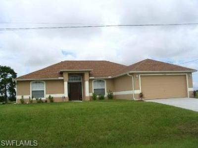 Cape Coral FL Single Family Home For Sale: $210,000