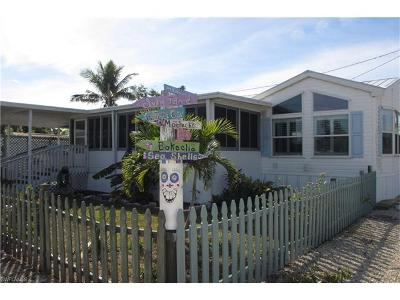 Mobile/Manufactured For Sale: 4923 Flamingo Dr