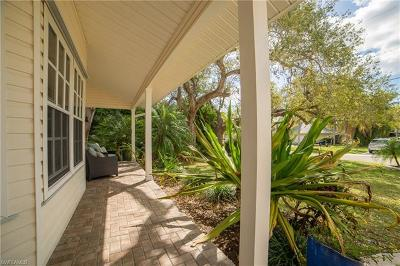 North Fort Myers Single Family Home For Sale: 30 Lagoon St