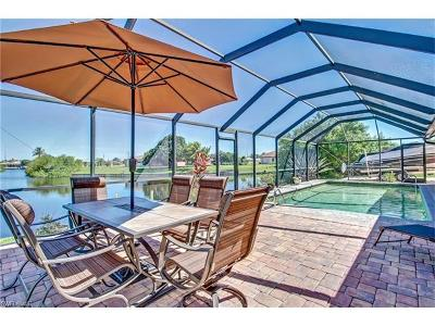 Cape Coral Single Family Home For Sale: 2573 Surfside Blvd