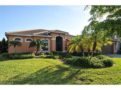 Lehigh Acres Condo/Townhouse For Sale: 4644 Fairloop Run