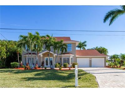 Cape Coral Single Family Home For Sale: 5303 SW 26th Ct