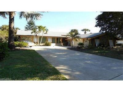 Single Family Home For Sale: 15853 Silverado Ct