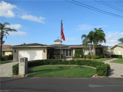 Cape Coral Single Family Home For Sale: 1715 SE 45th St