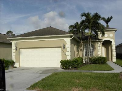 Naples Single Family Home For Sale: 8722 Ibis Cove Cir