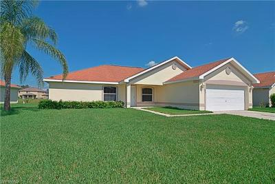 Lehigh Acres Single Family Home For Sale: 18291 Beauty Berry Ct