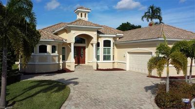 Cape Coral Single Family Home For Sale: 1125 Lincoln Ct