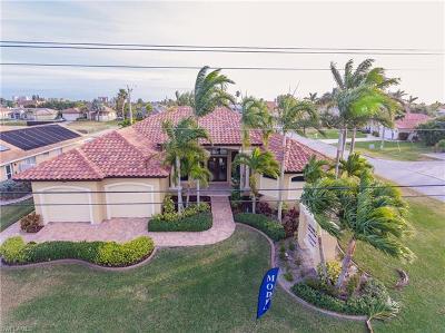 Cape Coral, Matlacha Single Family Home For Sale: 1926 Cape Coral Pky W