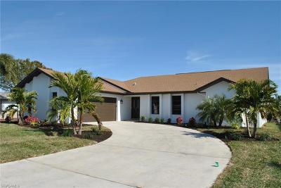 Cape Coral Single Family Home For Sale: 5349 Cortez Ct