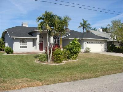 Cape Coral Single Family Home For Sale: 1133 SW 54th Ln