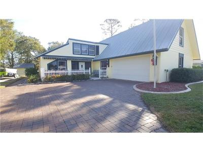 North Fort Myers Single Family Home For Sale: 7941 Deni Dr
