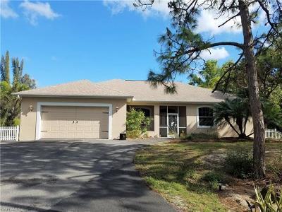 Bokeelia Single Family Home For Sale: 11870 Oakland Dr