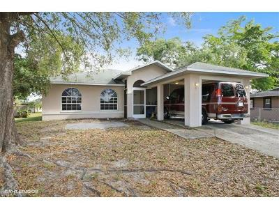 Fort Myers Single Family Home For Sale: 1047 Sumter Dr