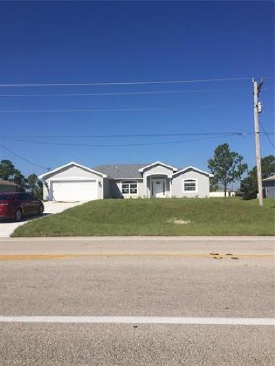 Lehigh Acres Single Family Home For Sale: 1910 Sunshine Blvd S