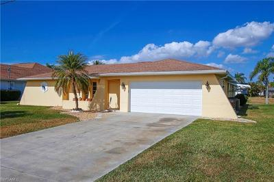 Cape Coral Single Family Home For Sale: 1009 SE 36th Ter