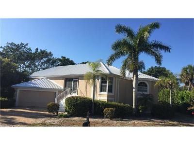 Lee County Single Family Home For Sale: 1325 Par View Dr