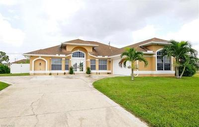 Cape Coral Single Family Home For Sale: 3829 Agualinda Blvd