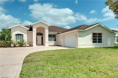 Cape Coral Single Family Home For Sale: 1213 SE 21st Ln