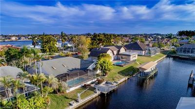 Cape Coral Single Family Home For Sale: 5402 Skyline Blvd