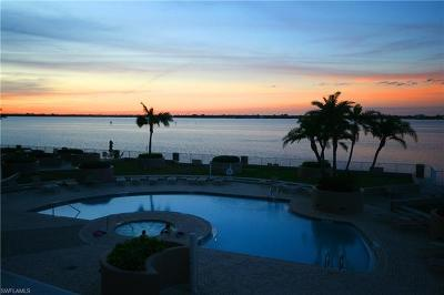 Fort Myers Condo/Townhouse For Sale: 2104 1st St NW #1902