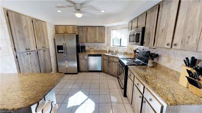 Cape Coral Single Family Home For Sale: 1420 SW 15th Pl