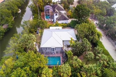 Sanibel Single Family Home For Sale: 542 N Yachtsman Dr