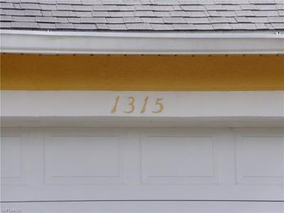 Port Charlotte Single Family Home For Sale: 1315 Tift St
