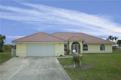 Bonita Springs Single Family Home For Sale: 12317 Casals Ln