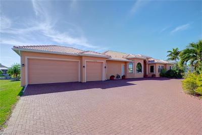Cape Coral Single Family Home For Sale: 1716 SW 43rd St