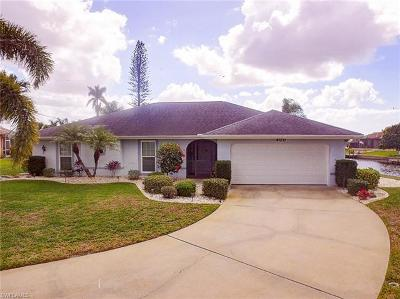Cape Coral Single Family Home For Sale: 400 Avalon Dr