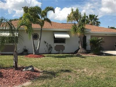 Cape Coral Single Family Home For Sale: 4934 Sorrento Ct