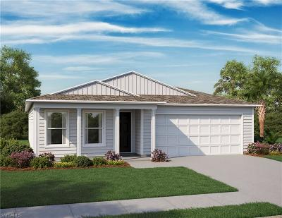 Cape Coral Single Family Home For Sale: 1024 N Gator Cir