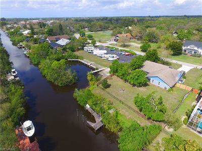 Cape Coral, Matlacha, North Fort Myers Single Family Home For Sale: 3944 Hidden Acres Cir S