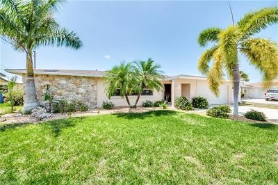 Cape Coral Single Family Home For Sale: 2214 SE 36th St