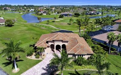 Cape Coral Single Family Home For Sale: 11842 Royal Tee Cir