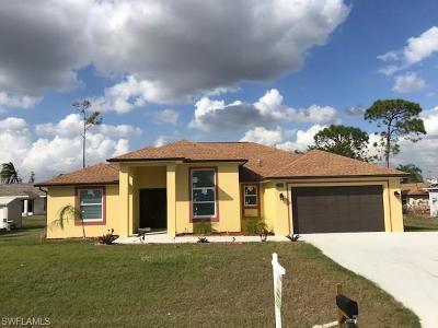 Fort Myers Single Family Home For Sale: 8069 Kansas Rd