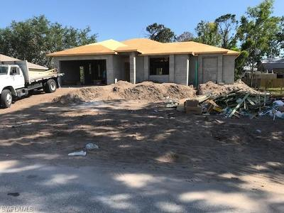 Fort Myers Single Family Home For Sale: 8446 Cardinal Rd