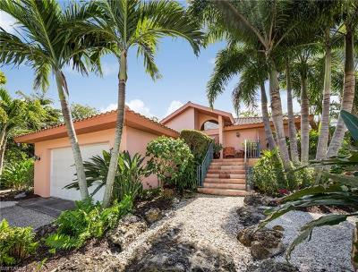 Sanibel Single Family Home For Sale: 735 Sand Dollar Dr