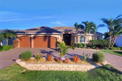 Cape Coral Single Family Home For Sale: 4937 Seville Ct
