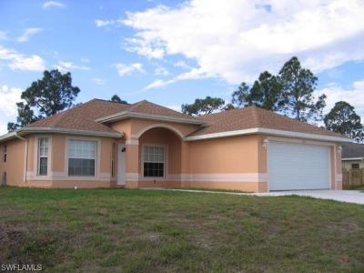 Lehigh Acres Single Family Home For Sale: 4325 7th St W