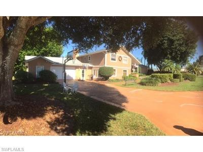 Naples Single Family Home For Sale: 302 Pinehurst Cir
