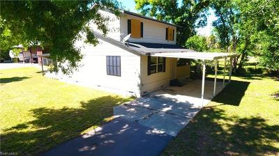 North Fort Myers Single Family Home For Sale: 9381 Maple Ln