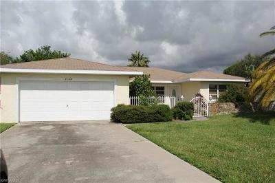 Cape Coral Single Family Home For Sale: 2122 Country Club Blvd