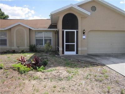 Lehigh Acres Single Family Home For Sale: 19484 Poppytree Ct
