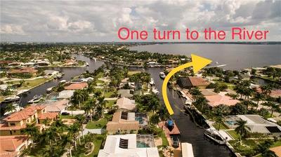 Cape Coral Single Family Home For Sale: 132 SW 57th Ter