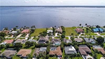 Cape Coral Single Family Home For Sale: 3426 SE 22nd Pl