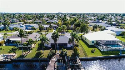 Cape Coral Single Family Home For Sale: 169 SW 51st St